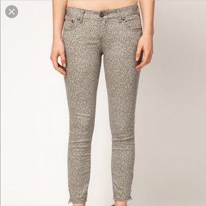 Free People Lace Print Skinny Ankle Jeans Sz 29